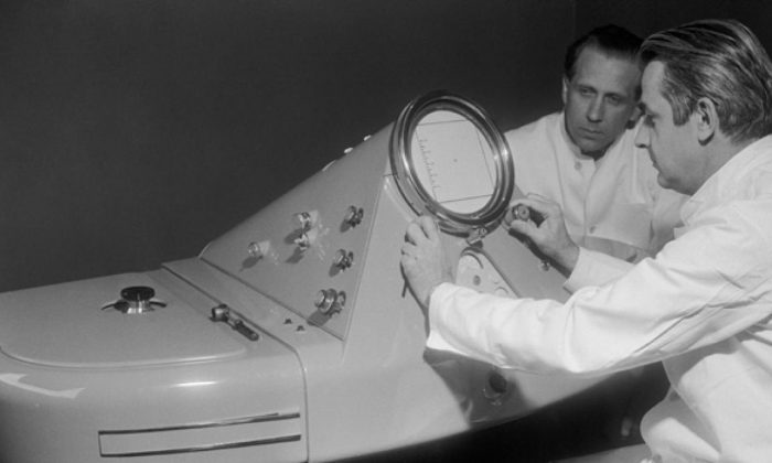 The process of scientific publication evolved in the scientific community of the 1950s. The picture shows an electron microscope used in 1957 at the Copenhagen University Medical-Anatomical Institute.