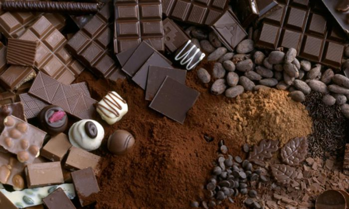 In her blog, the American nutrition professor Marion Nestle lists a number of purchased research studies, including research that claims chocolate lowers blood pressure.