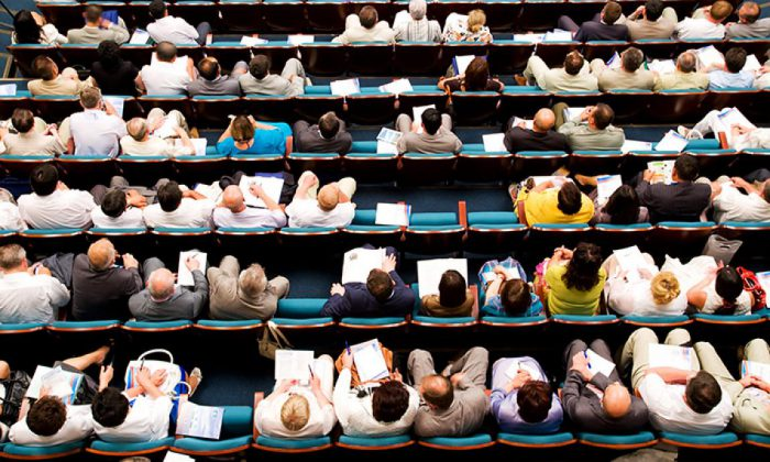 A growing number of students at universities creates increased pressure on lecturers.